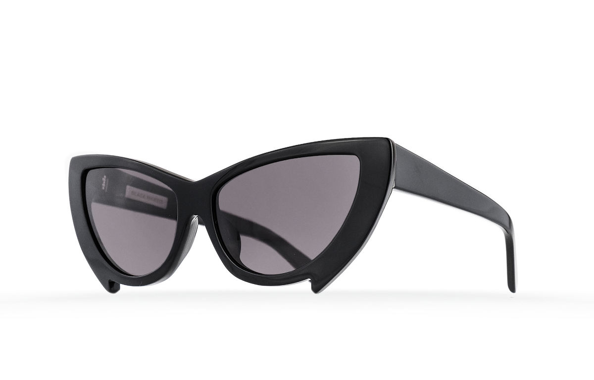 FAKBYFAK Fashion sunglasses Black Mantis Model 2. Black Code: 02/02/01