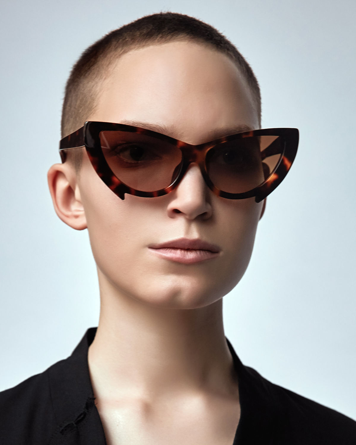 FAKBYFAK Fashion sunglasses Black Mantis Model 2. Tortoise Code: 02/02/02