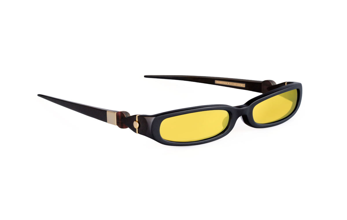 FAKBYFAK x Pilar Zeta Fashion sunglasses Model GRACE. Sun. Matte Black & Gold Code: 14/02/02
